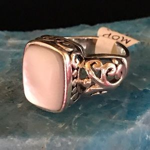 Mother Of Pearl Ring With Scroll Design